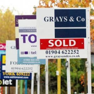 Basildon Recorder: House prices down by 0.3% during November, according to Nationwide
