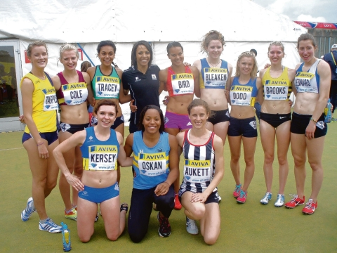 Gemma Kersey (front left) and Kaylee Dodd (back row, third from right) with the other 800m competitors and Dame Kelly Holmes
