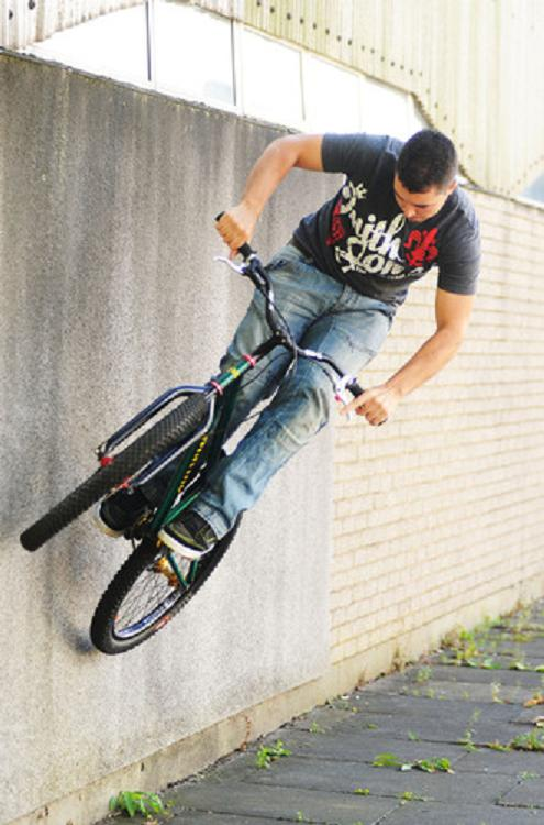 Basildon stunt biker makes it through to final of international competition
