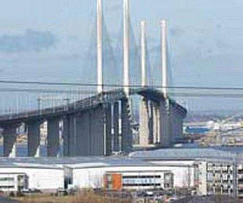 Basildon Recorder: The QEII Bridge may be forced to close if forecasted stong winds are persistent enough
