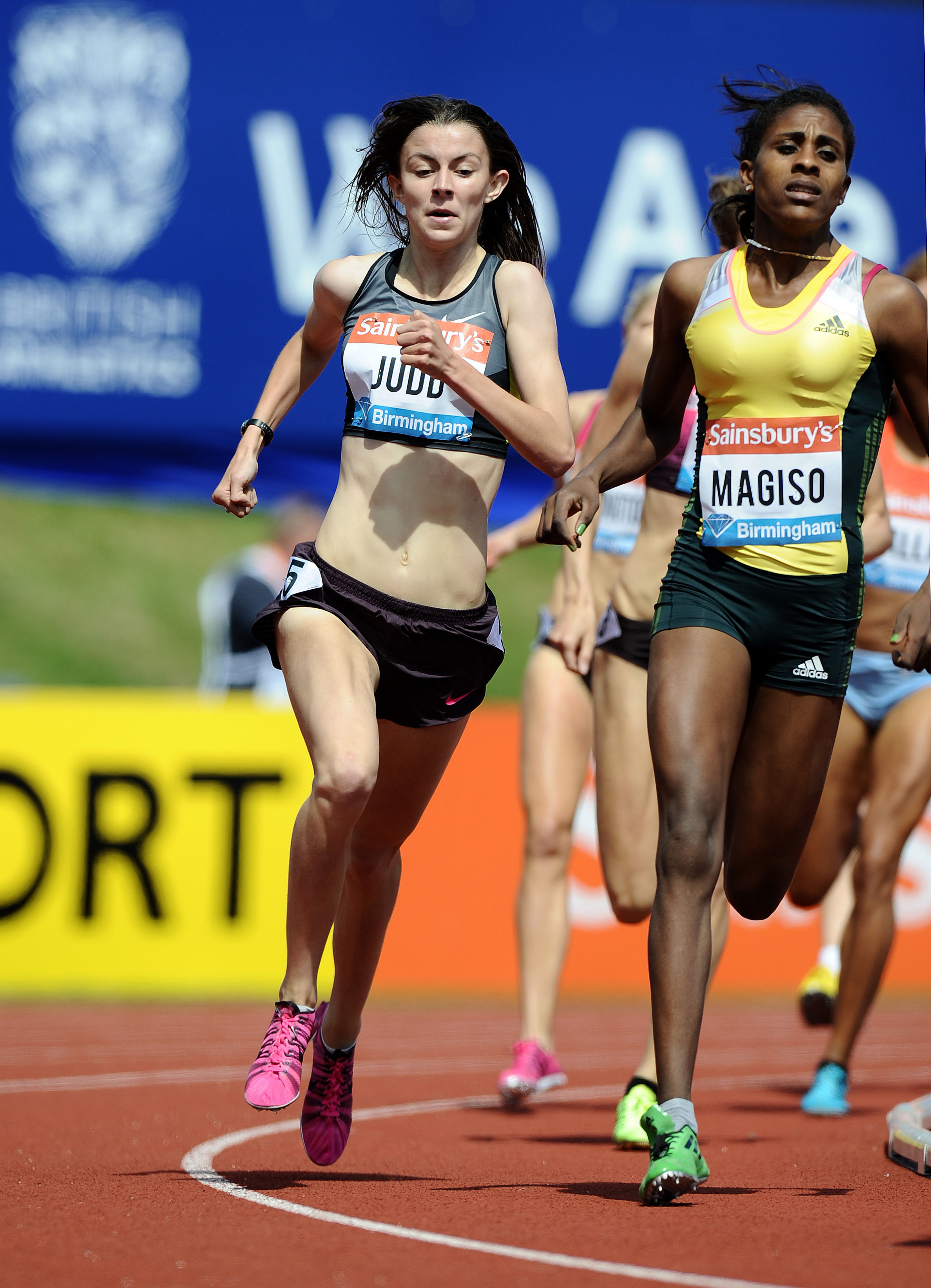 Jessica Judd - powers on to the home straight ahead of her 800m Diamond League win yesterday