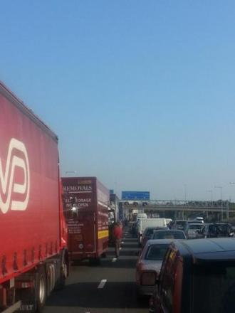 Fury as Dartford Crossing tolls stay in place despite more chaos on M25