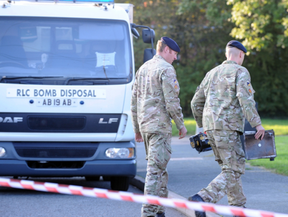 Army bomb disposal experts in Fairview Road, Basildon