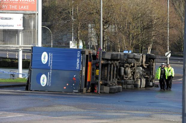 Basildon Recorder: Lorry overturned at Lakeside