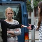 Basildon Recorder: EastEnders' Lauren and Abi Branning ask Stacey Fowler for a huge favour - but will she do it?